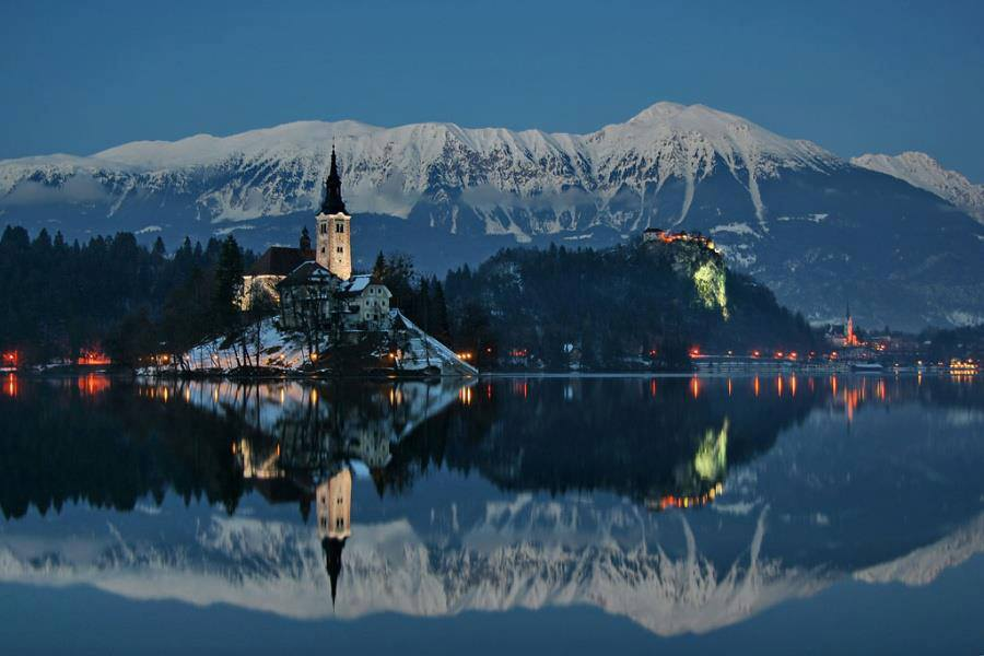 lake-bled-winter-sup-snow