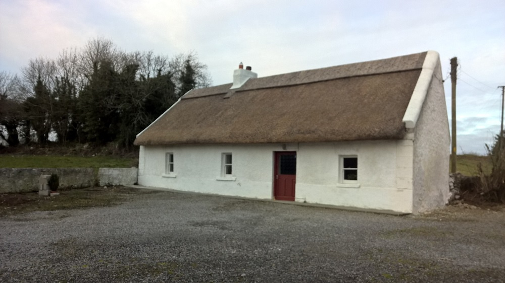 Roscommon thatched Cottage.jpg